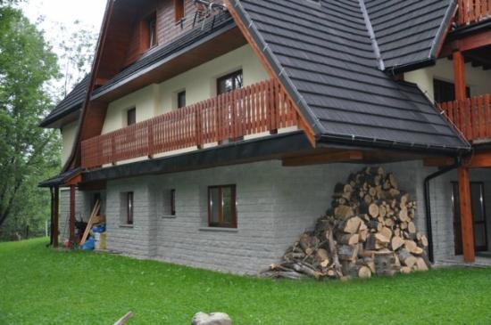 RentPlanet - Apartmenty Spiacy Rycerz : La casa vista desde fuera