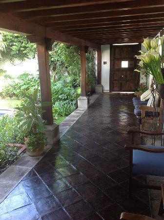 Casa Encantada: Hallway