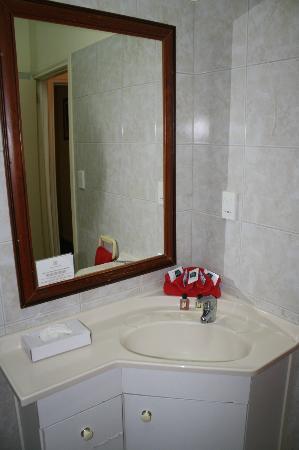 The Edgewater Resort & Spa: Bathroom