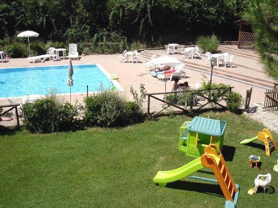 Residence Selvatellino: area giochi