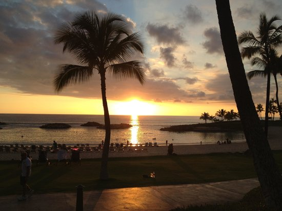 Longboards Bar & Grill: Sunset dinner at Longboards