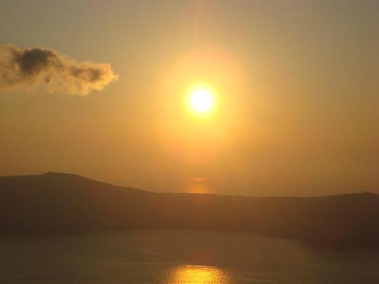 Anthonas Apartments: sunset