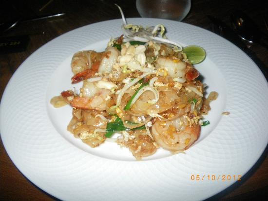 Mantra Samui Resort: best phad thai in Thailand at buffet
