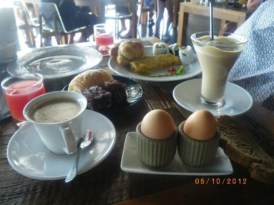 Mantra Samui Resort: sample range of breakfast