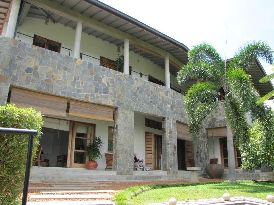 Baramba House: External view