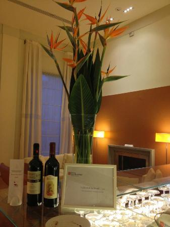 Hilton Garden Inn Florence Novoli: I sat here at the bar and had aperitivi