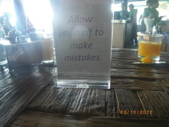 Mantra Samui Resort: sayings as breakfast table