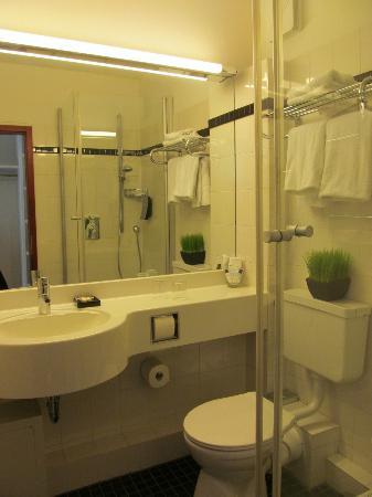 relexa hotel Stuttgarter Hof: Bathroom