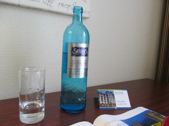 relexa hotel Stuttgarter Hof: A complimentary bottle of water came in very useful