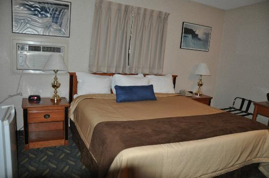 Travelodge Niagara Falls at the Falls: Lit king size