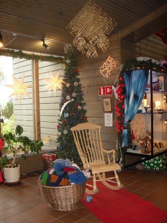 Santa Claus Village: atrio dei souvenirs shop