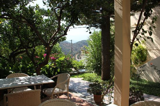 Hotel Orestis: The view form our breakfast table each morning - heavenly !
