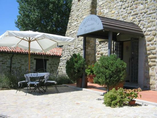 Agriturismo Castello di San Vittorino: Ingresso Reception