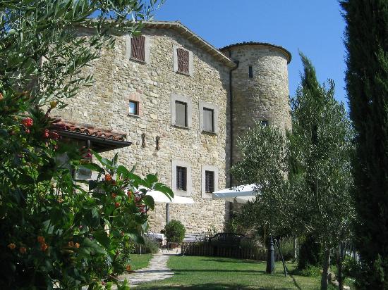 Agriturismo Castello di San Vittorino: Il Castello (1163 d.C.)