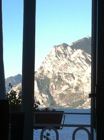 Hotel Monte Baldo: Blick aus einem Südzimmer auf die Ponale
