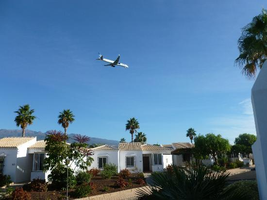 CLC Sunningdale Village: Aeroplane noise