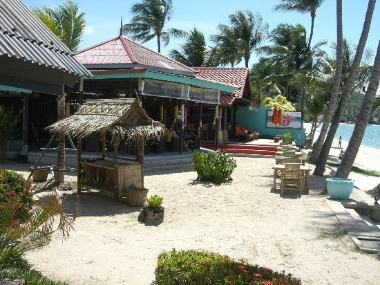 Secret Garden Beach Resort: Beachfront Restaurant