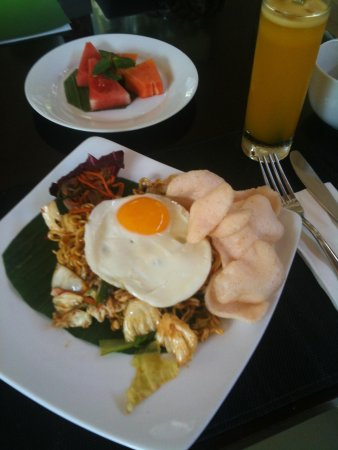 Kamuela Villas and Suite Sanur: Indonesian breakfast, was lovely