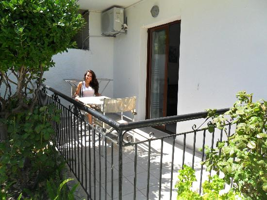 Nicolas Studios and Apartments: Balcony on a downstairs one bed apartment