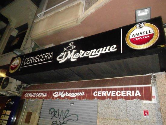 Cerveceria el merengue: Insegna esterna del locale