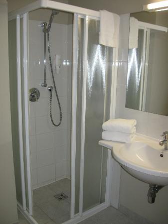 Days Hotel Riga VEF: Dusche