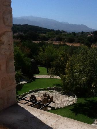 Arosmari Village Retreat: View from Arugula terrace