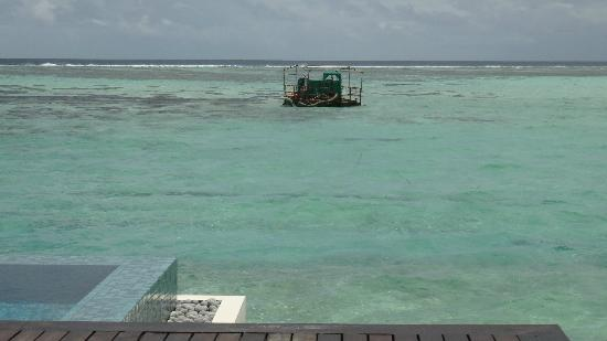 The Residence Maldives: Sand machine still in view after staff moved it