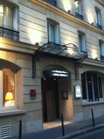 L'Hotel Pergolese: front door