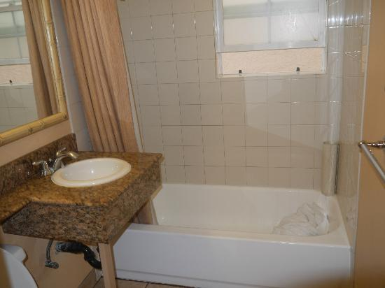Diamond Head Inn: la salle de bain