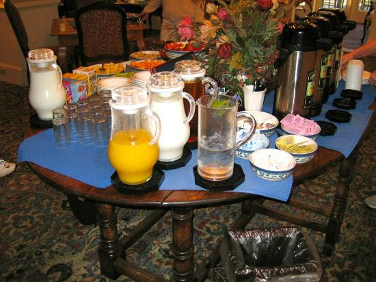 The Bellmoor Inn and Spa: Fresh beverages.