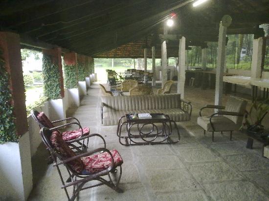 Kolavara Heritage Homestay: Dining area