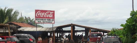 Mariscos getzabel: Seafront restaurant