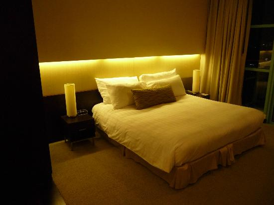 Chatrium Hotel Riverside Bangkok: Riesiges Bett