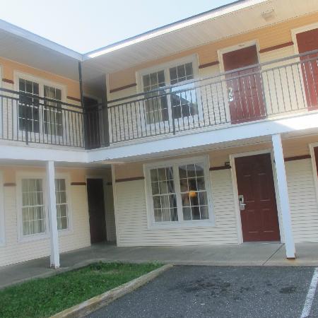 Red Roof Inn Neptune: parte de arriba del hotel