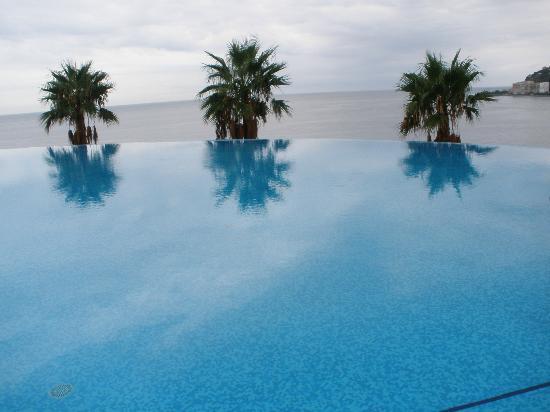 Foco sumergible piscina panor mica suelto fotograf a de playacalida spa hotel almu car - Piscina arabial granada precios ...