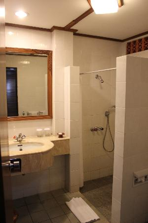 Kila Senggigi Beach Lombok: salle de bains