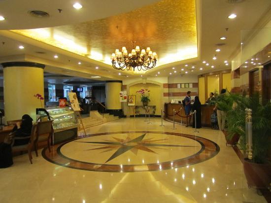 Dorsett Kuala Lumpur: lobby