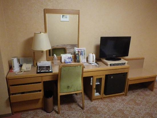 Koriyama View Hotel Annex: 机周り