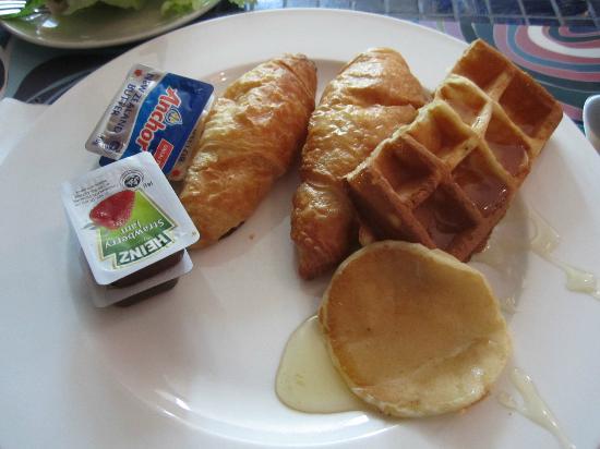 Dorsett Kuala Lumpur: breakfast