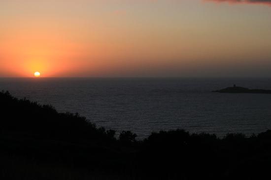 Les Lentisques: Coucher de soleil vu de Cargese