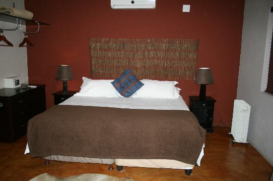 African Moon Corporate House : stanza