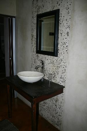 African Moon Corporate House: bagno