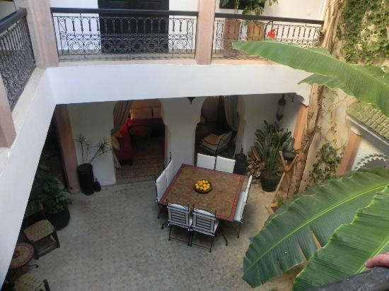 Riad Tawargit: Patio