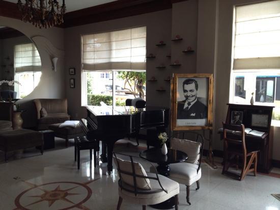 Cadet Hotel: Hotel Lobby