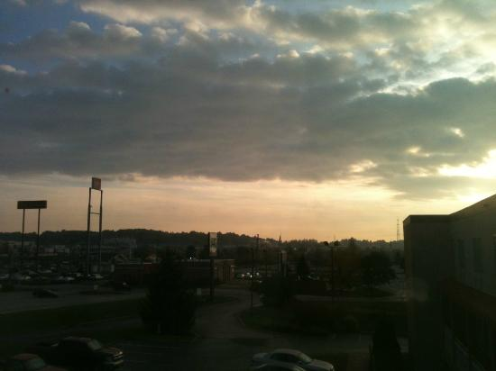 Quality Inn & Suites: A beautiful Montrose morning looking out of the 3rd floor window : )