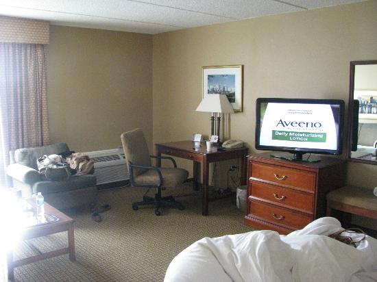 Radisson Hotel Cleveland Airport West: Room