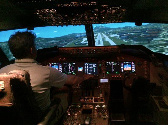Al Forsan International Sports Resort: Flying the Boeing 747-200 flight simulator at Al Forsan
