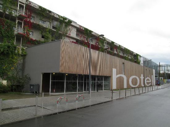 B&B Hotel Lille Centre Grand Palais: B&B Lille Grand Palais main entrance