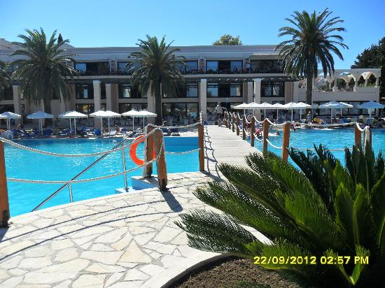 Mitsis Roda Beach Resort and Spa: main pool
