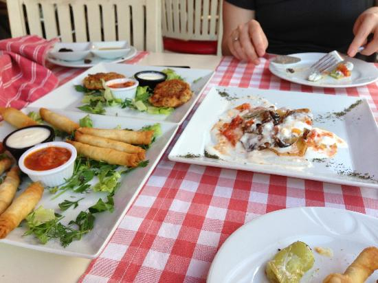 Urkmez Hotel: Lunch at the family-owned Cabare restaurant, just down the road.